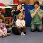 Las clases español para niños a través de la música y el movimiento